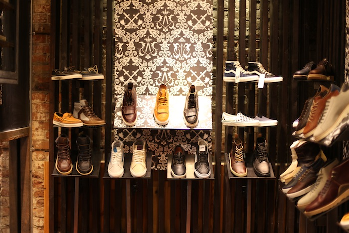 boutique sneakers montreal uglymely sneakers street. Black Bedroom Furniture Sets. Home Design Ideas