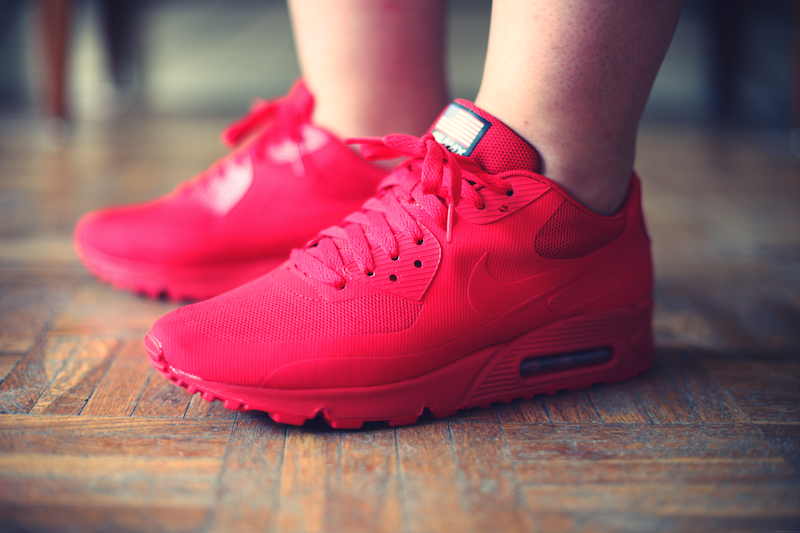 nike air max rouge hyperfuse