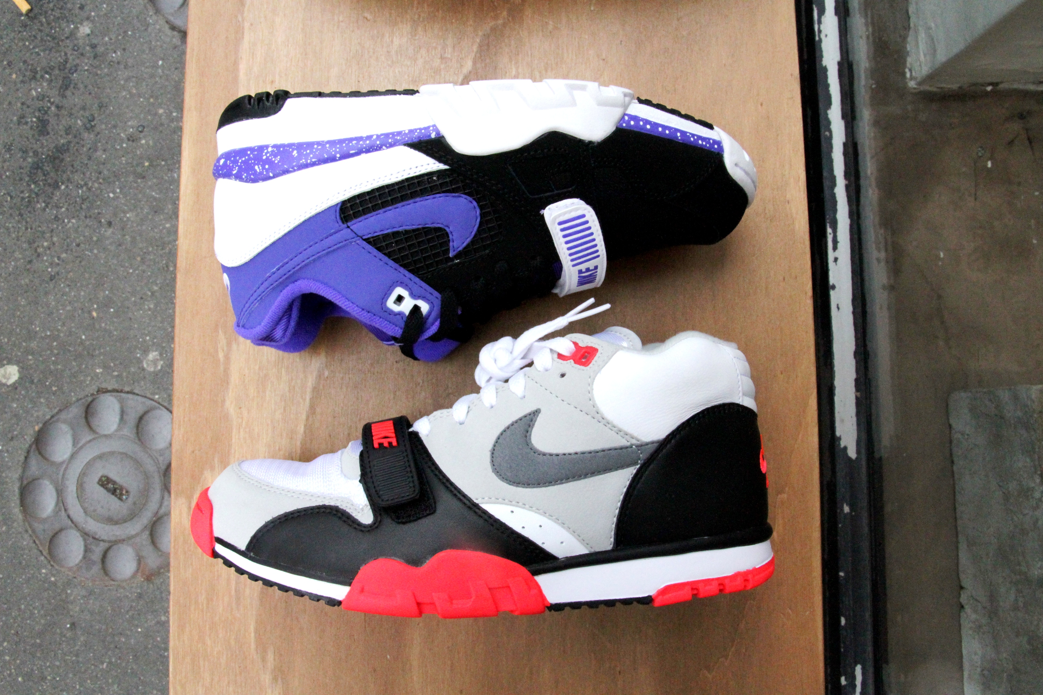 nike air trainer 1 infrared mw shift