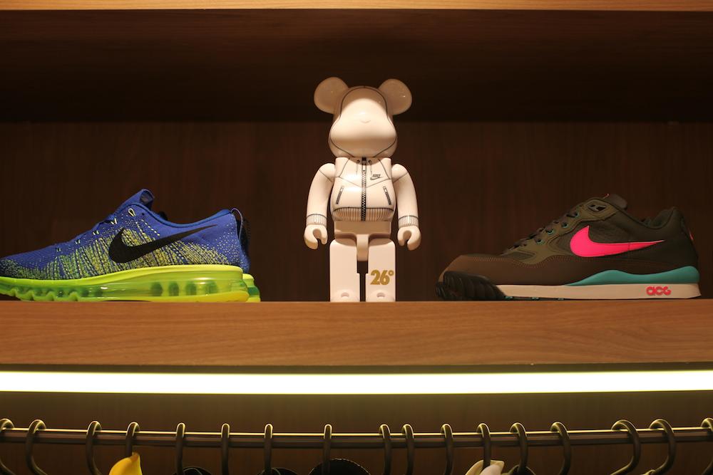 holypopstore sneakers rome italie uglymely 7