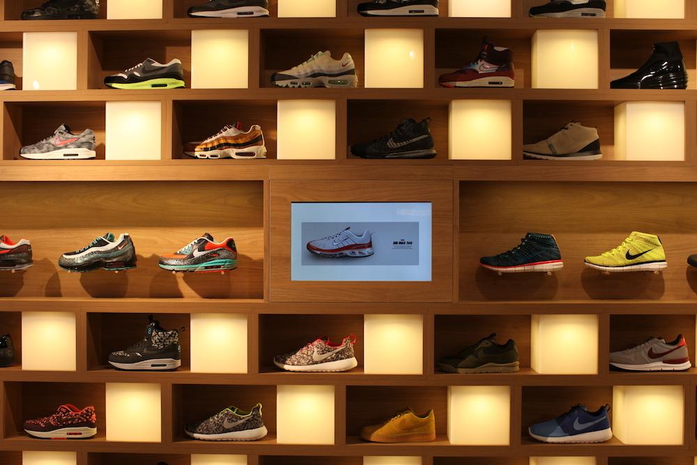 holypopstore sneakers rome italie uglymely 8