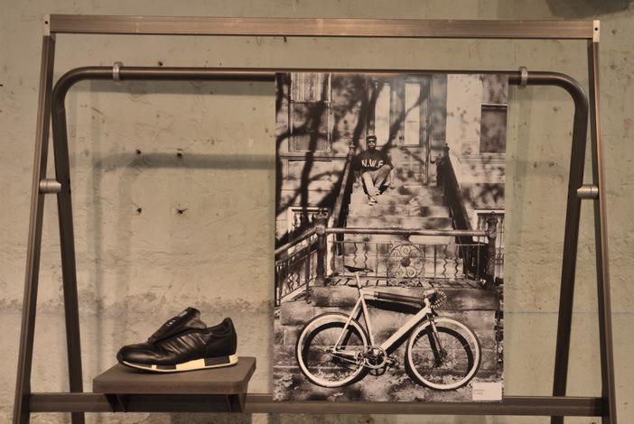 702-sneakers-book-07