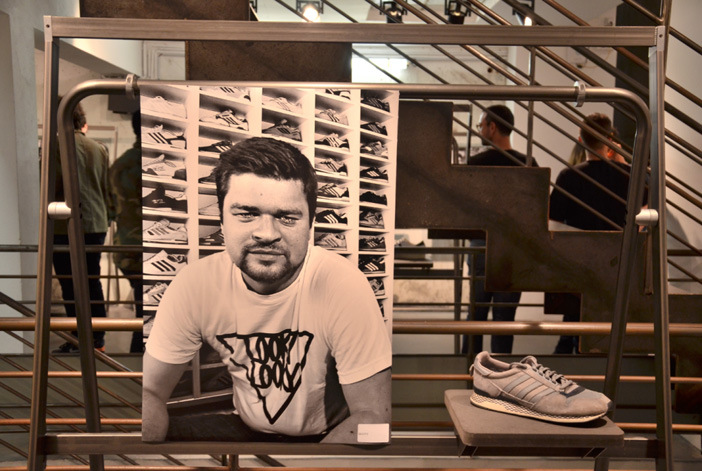 702-sneakers-book-10